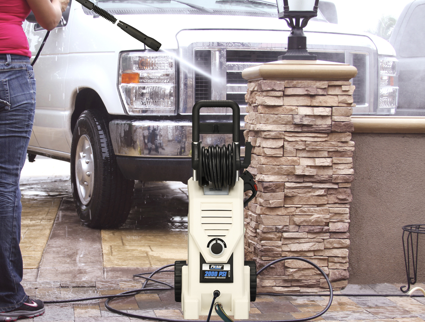 2000 psi electric pressure washer in use